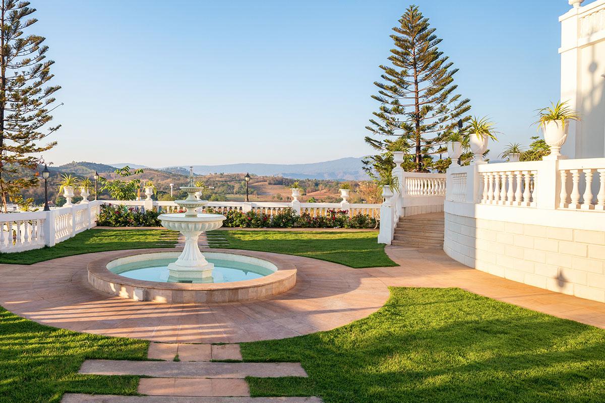 beautiful garden and fountain