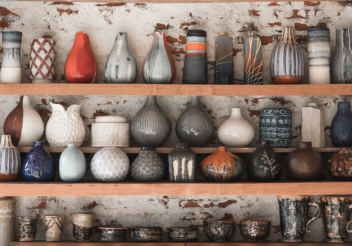 Many colletion ceramic jugs in the market